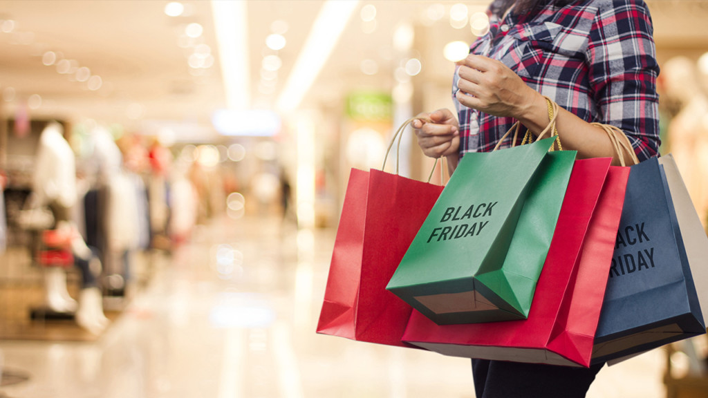 Tips offered to avoid overspending during holiday shopping