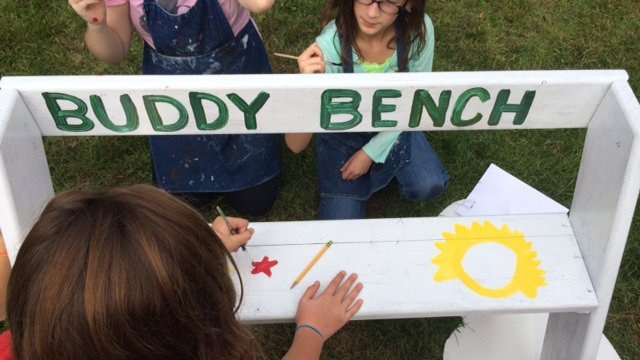 'Buddy Benches' help students who feel lonely