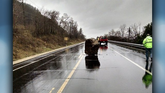 For second time in a week, large boulder crashes on Hwy. 35