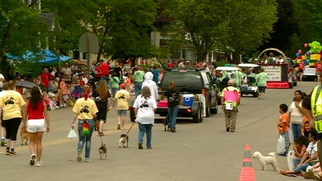 Parade collects food for local food pantries