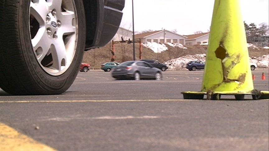 Gundersen Health System hosts car control clinic helping teen drivers avoid crashes