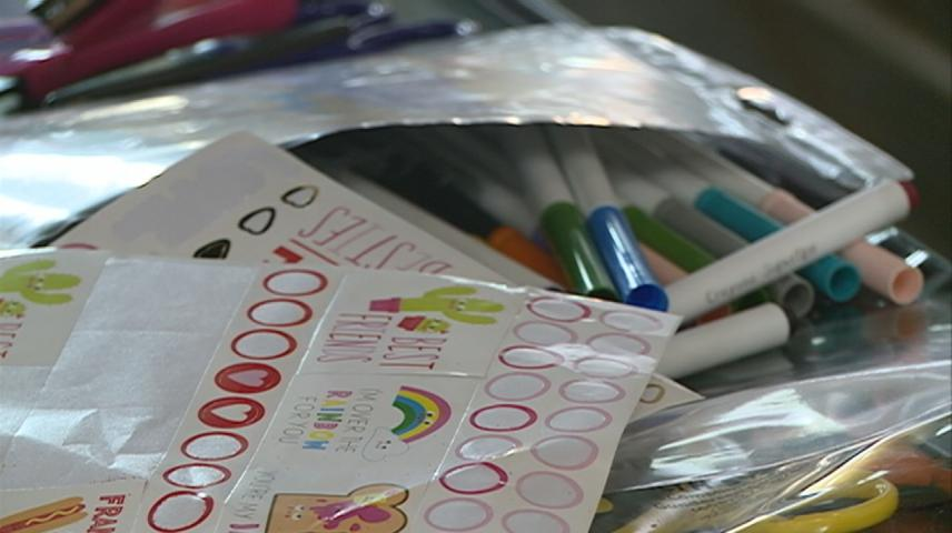 La Crosse patients get a taste of Valentine's Day with hand-crafted cards