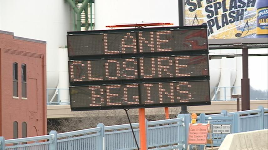 Occasional lane closures on Cass Street bridge