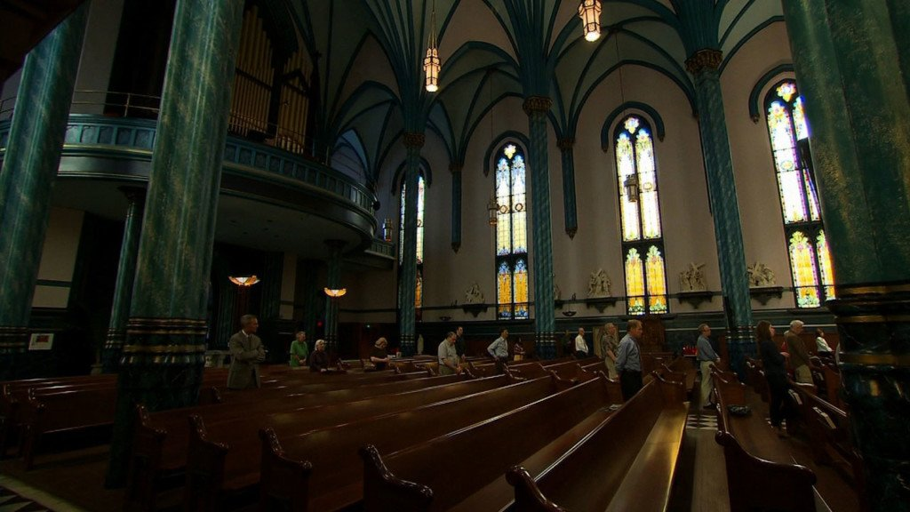 Diocese says Iowa priest who threatened rape has recovered