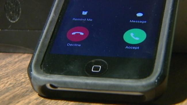 Cellphone companies can now automatically block robocalls