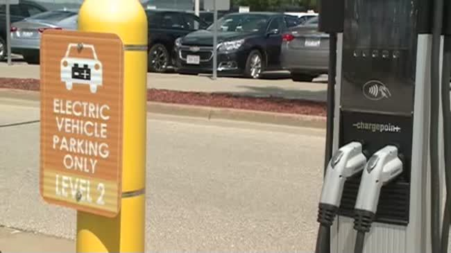 Charge to charge? La Crosse considers paid vehicle charging stations