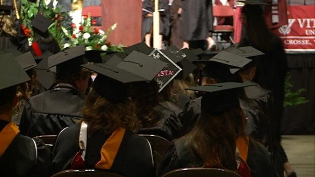 Job outlook for college grads improving