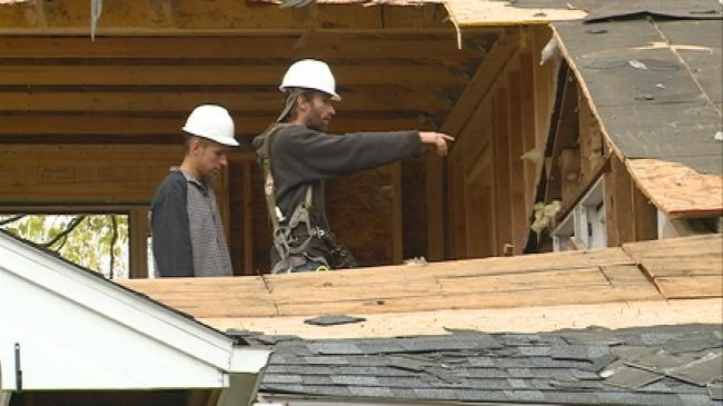 La Crosse home deconstruction salvages parts to be reused