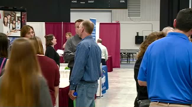 Employers look to fill hundreds of openings at Coulee Region Job Fair