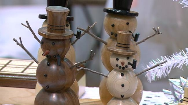 La Crosse Center holds holiday craft fair
