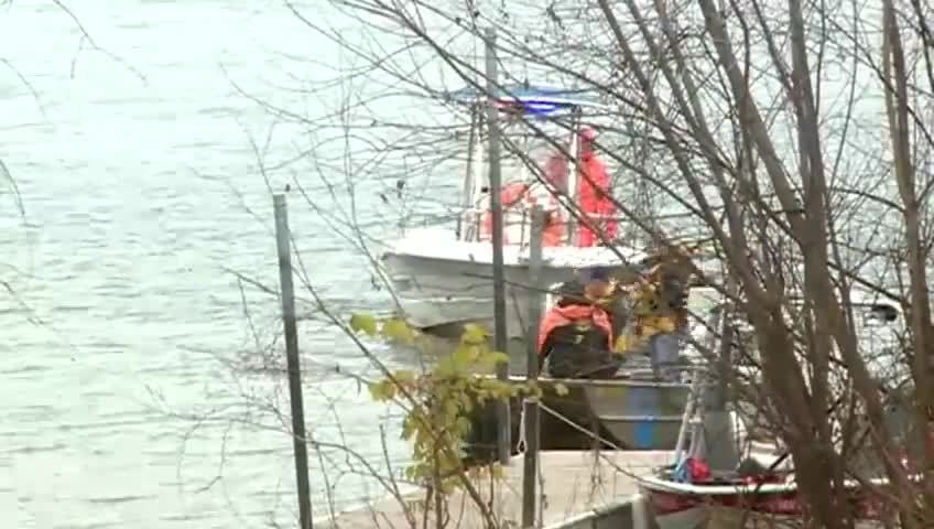UPDATE: Crews back out searching for missing boater