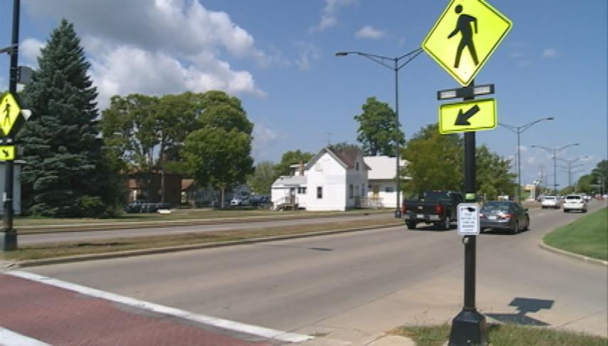 La Crosse police encourage drivers, pedestrians to be on alert