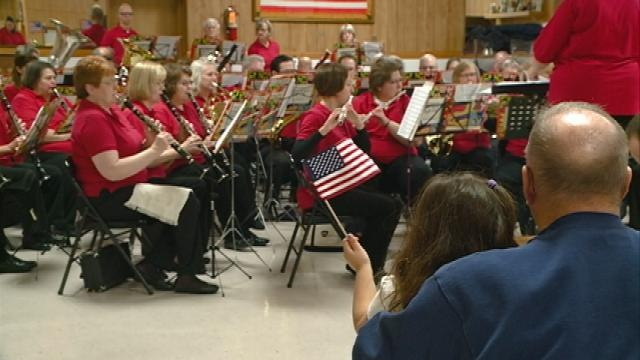 Da Capo Concert Band performs in honor of veterans