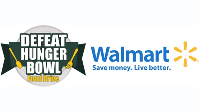 Green Bay Packer Andrew Quarless helps with 'Defeat Hunger Bowl' food drive