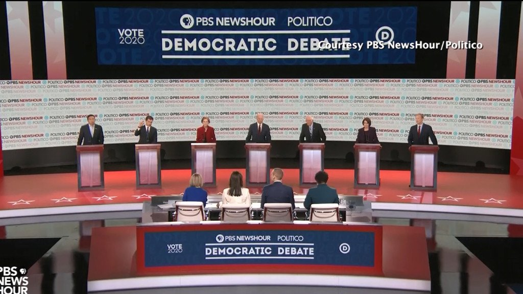 Smallest field of Dems takes stage in Los Angeles