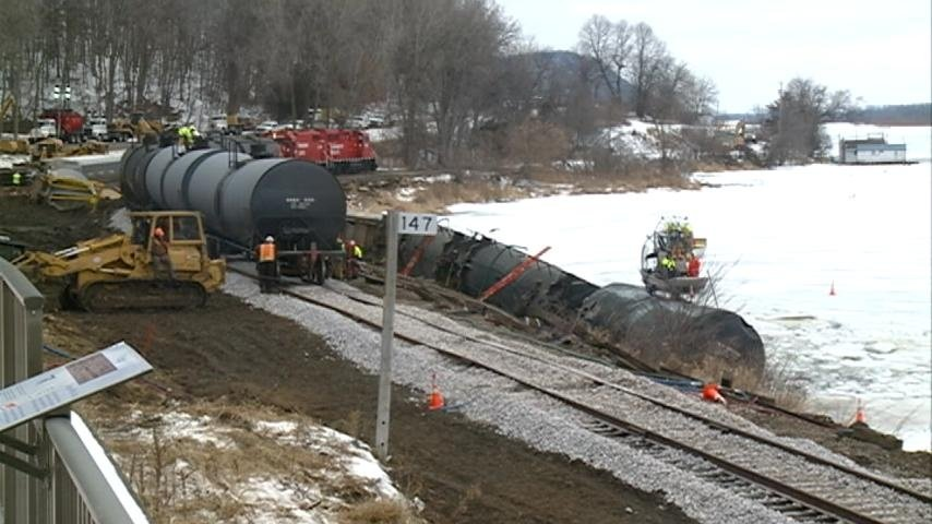 Canadian Pacific: 850 gallons of soybean oil leaked from derailed tanker