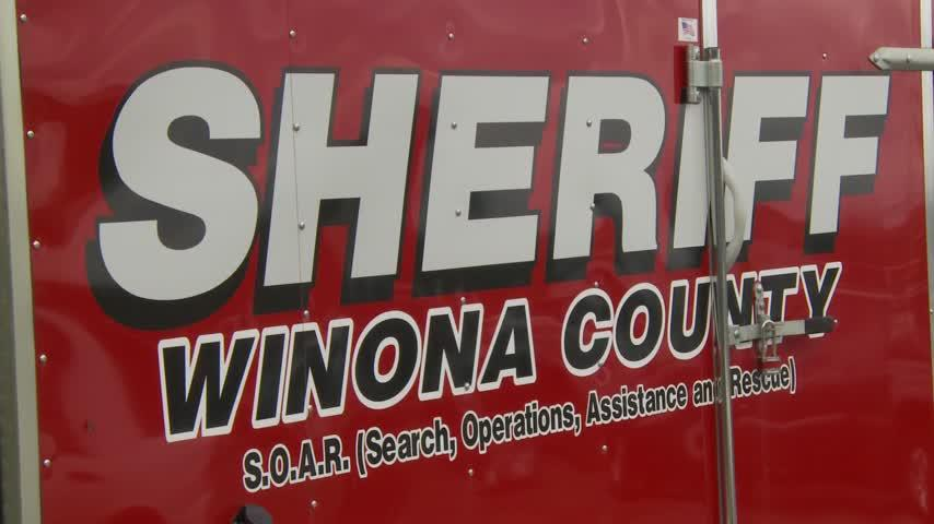 Authorities suspend search after report of man in Lake Winona