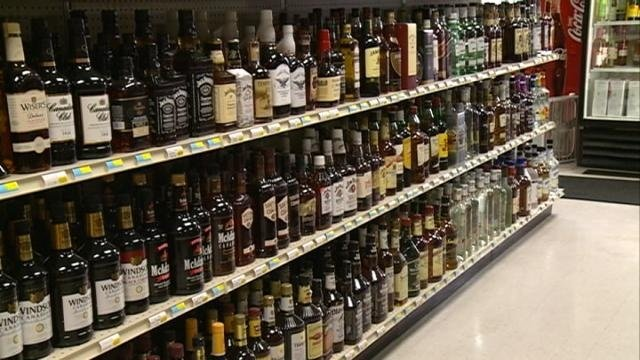 Proposal would allow some Sunday alcohol sales in Minn.