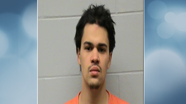 Man robs La Crosse taxi at gunpoint