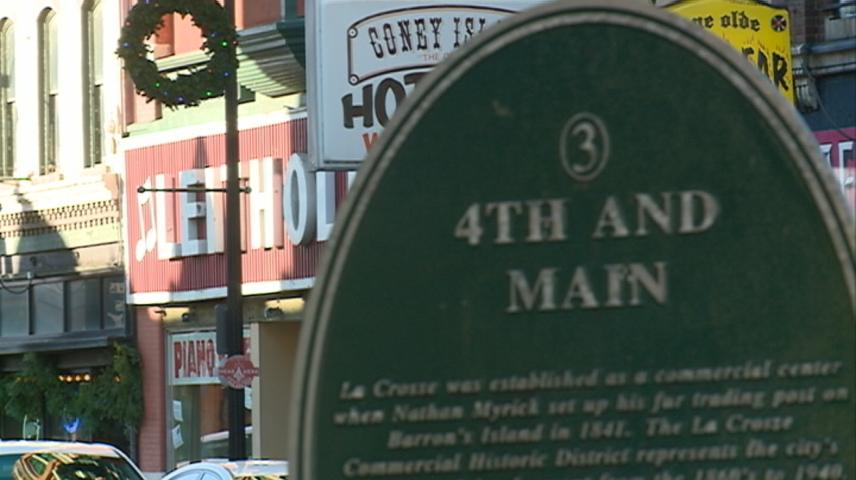 Holiday shopping continues in La Crosse with 'Small Business Saturday'