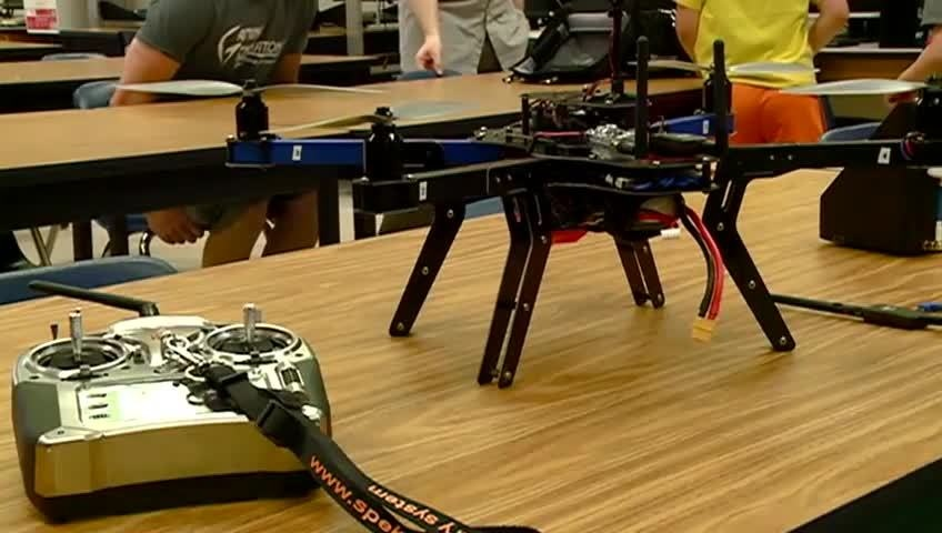 La Crosse high school students show off new unmanned aerial vehicle