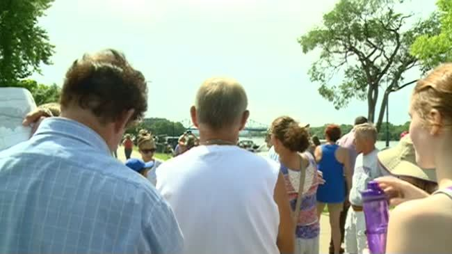 People pack Riverside Park to take in solar eclipse