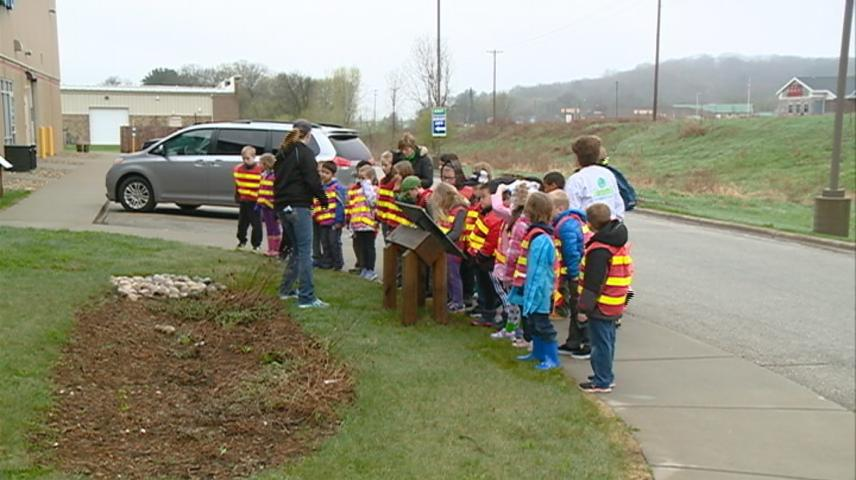 Elementary students visit La Crosse County Landfill
