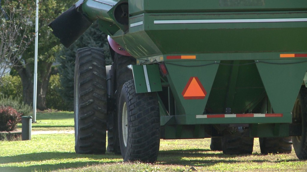 Increased farm vehicle traffic expected during fall harvest