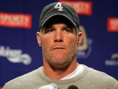 Report: Favre visiting Green Bay