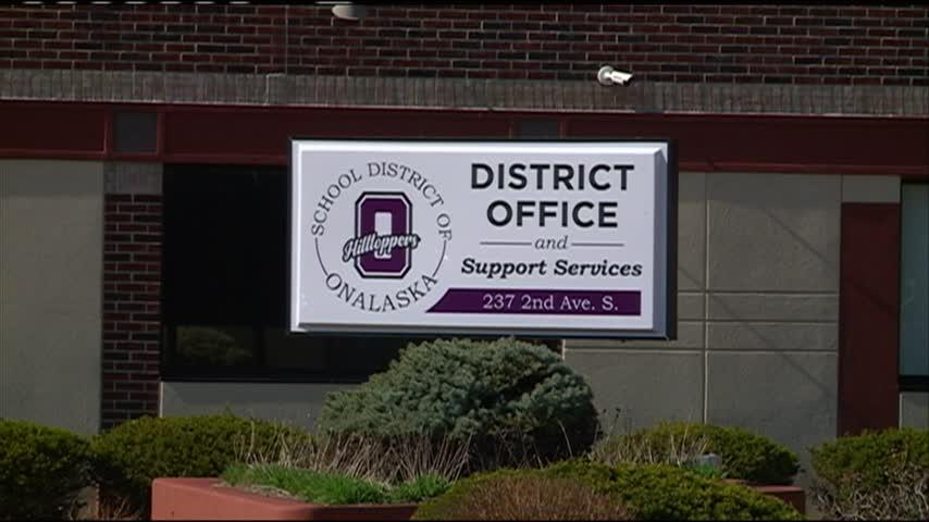 Onalaska School District says goodbye to long-time administrators