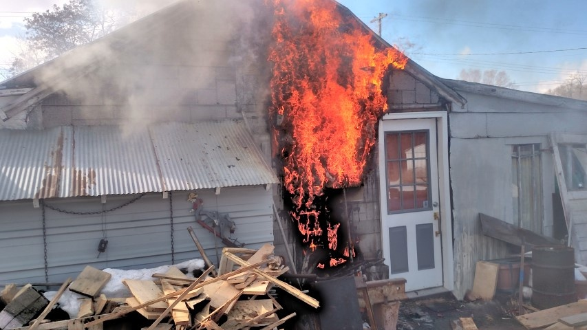Authorities believe wood stove is to blame for fire in Black River Falls