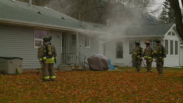 Firefighters put out house fire on south side of La Crosse
