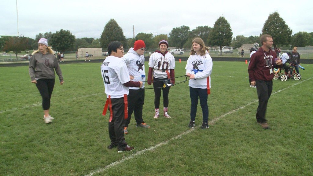 Adaptive flag football game helps celebrate homecoming week in Holmen