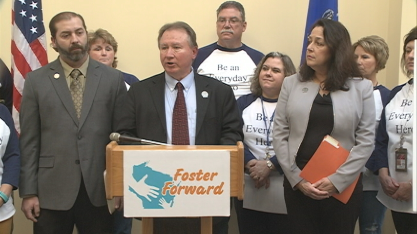 Bipartisan effort hopes to remove barriers for Wisconsin foster parents