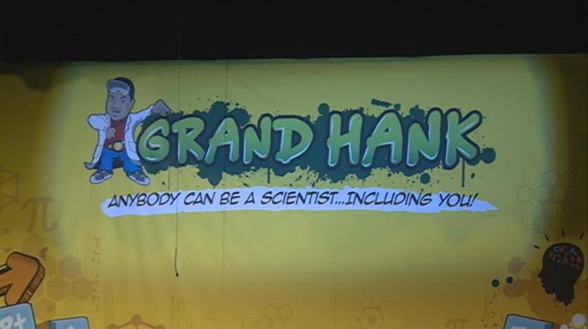 Rapping scientist Grand Hank inspires Winona students to learn STEM