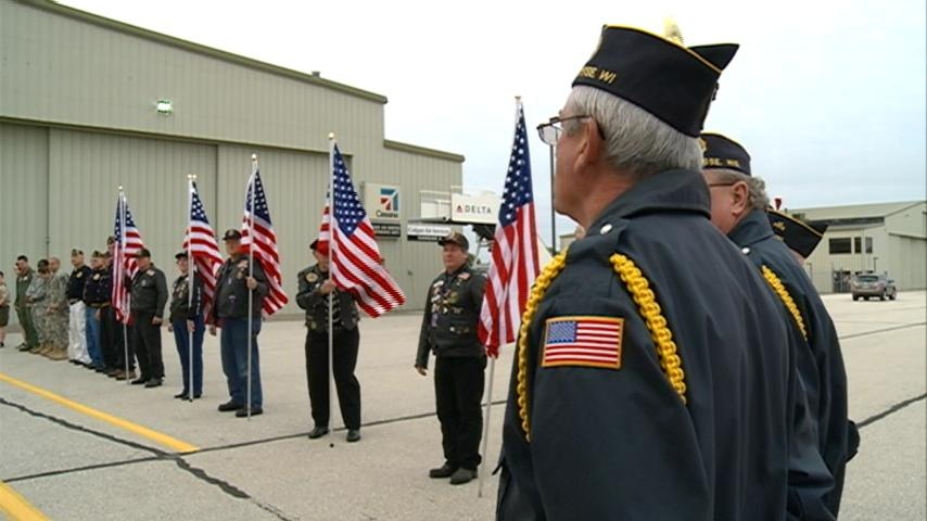 Freedom Honor Flight takes more than 90 vets to memorials