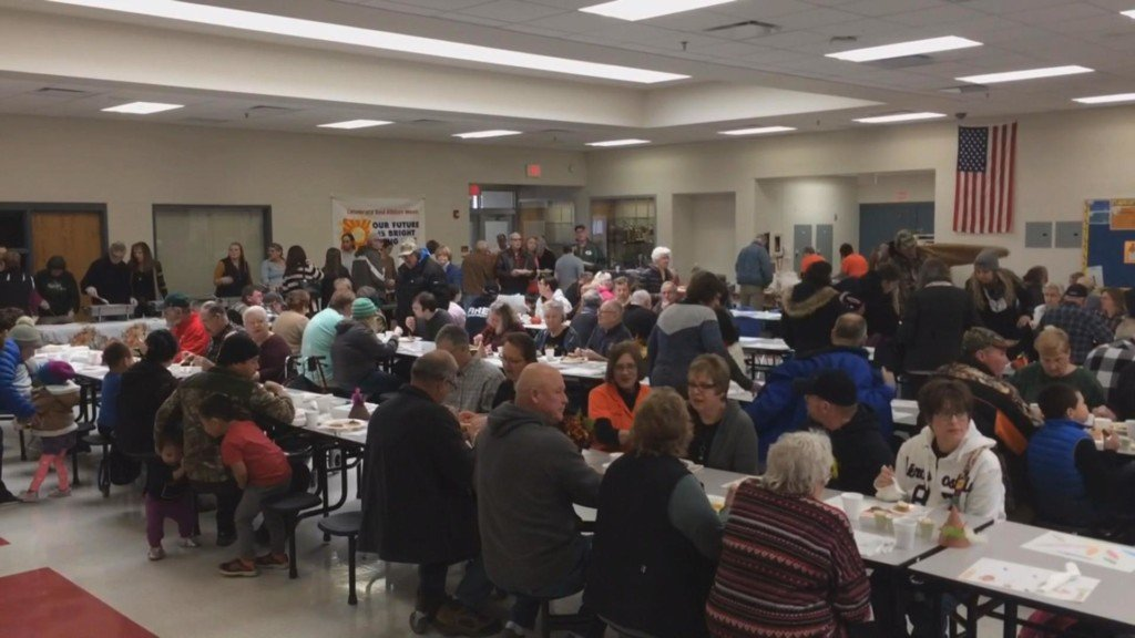 'Get Everyone Together' helps community celebrate Thanksgiving in Galesville
