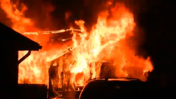 Fire destroys garage in La Crosse