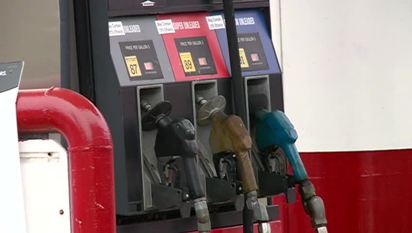 Gas prices fall as winter comes closer