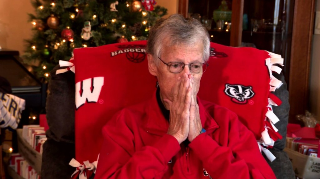 'An incredible sharing of love': Prairie du Sac man receives more than 50,000 Christmas cards