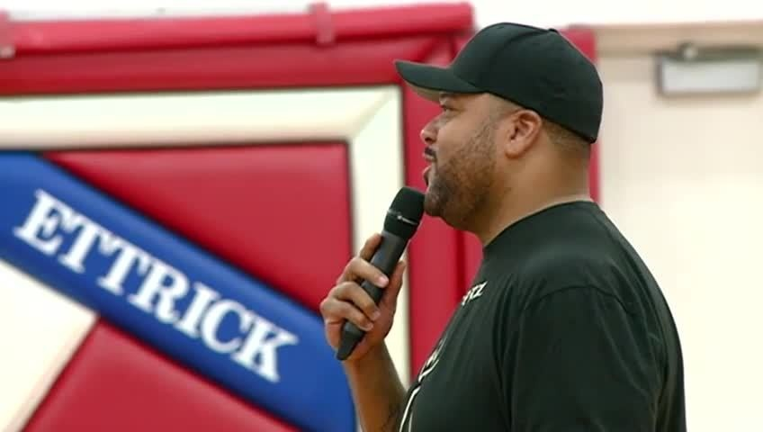 Former Packer visits GET High School to talk about bullying