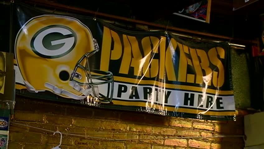 Local Packers fan attending Favre Hall of Fame induction