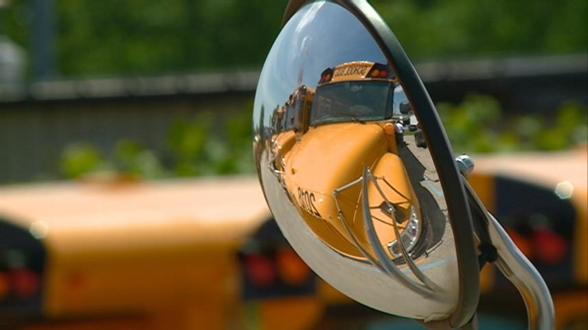 La Crosse School District opens school bus registration for students