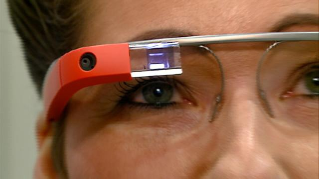 Teachers learn how to use Google Glass in classrooms