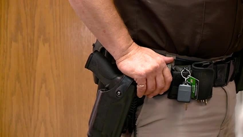 Trempealeau Co. sticking with armed bailiffs after Michigan courthouse shooting