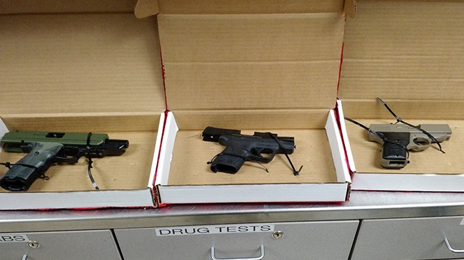 Teens charged after police find stolen guns, drugs