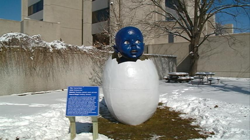 'Hatched Baby' statue finds home on La Crosse City Hall lawn