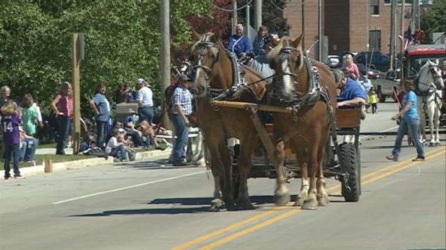 Fall Fest Parade marches on after 71 years