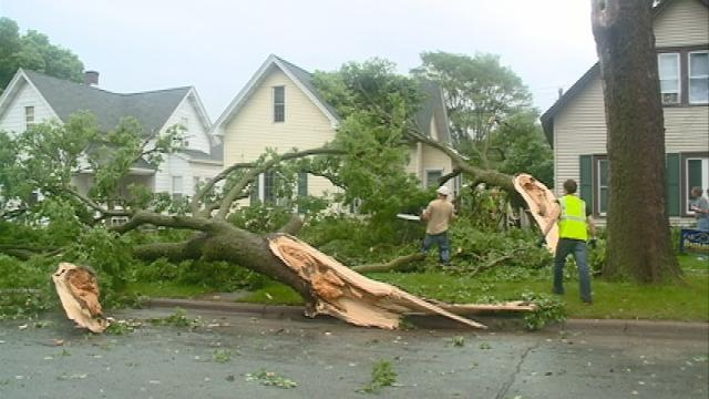 Storm leaves behind mess for La Crosse County