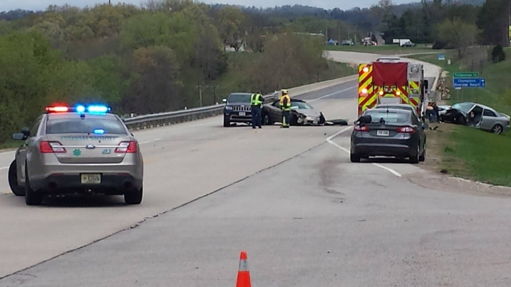 Two injured in multi-vehicle crash near La Crosse-Trempealeau Co. line